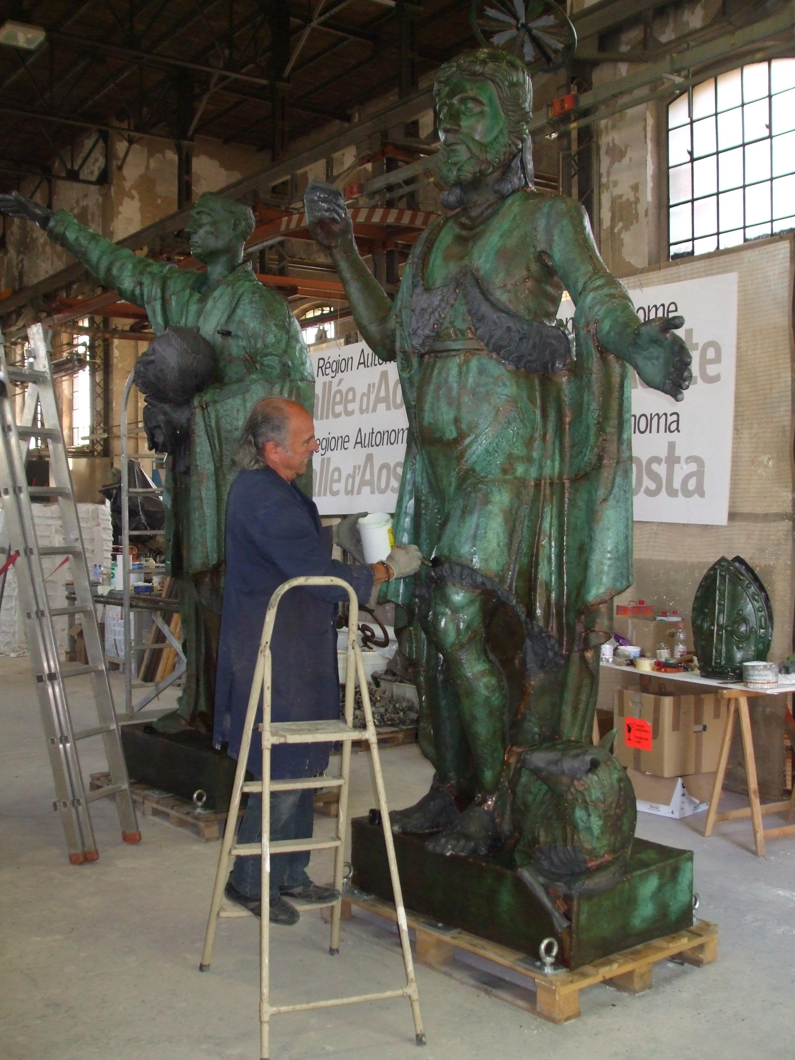 Statue Duomo Aosta